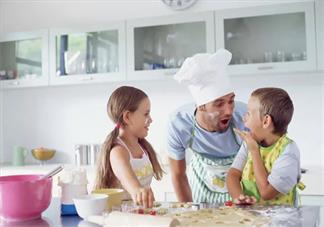 孩子说话颠三倒四说话不规范怎么办 如何纠正孩子说话习惯