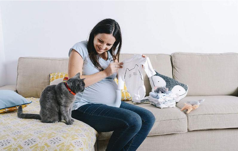 孕期晚睡对胎儿成长发育有什么影响 怀孕期间熬夜吃什么