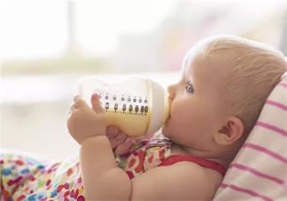 新手如何选择宝宝吃的奶粉 第一次买奶粉怎么看