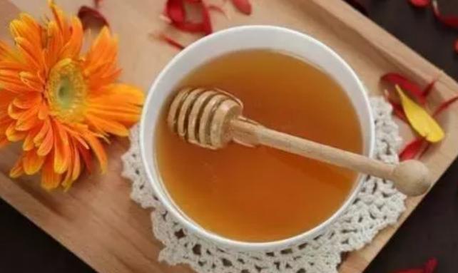 蜂蜜水解酒后头痛吗 酒后头痛喝蜂蜜水解酒方法介绍