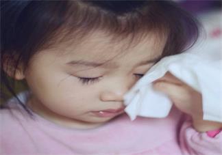 孩子不分场合的喜欢撒泼怎么办 孩子稍有不顺心就哭闹怎么教育他好