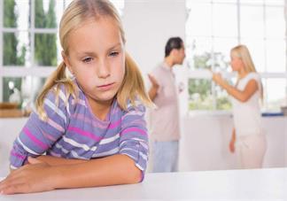 经常吵架的家庭会对孩子产生什么影响 吵架的时候需要避着孩子吗