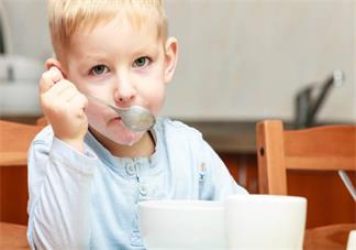 为孩子选择合适的幼儿园要考虑什么 适合孩子幼儿园考虑因素