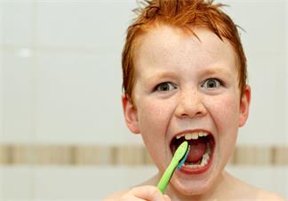 三岁前宝宝的牙齿怎么保护比较好 三岁前宝宝牙齿护理方法