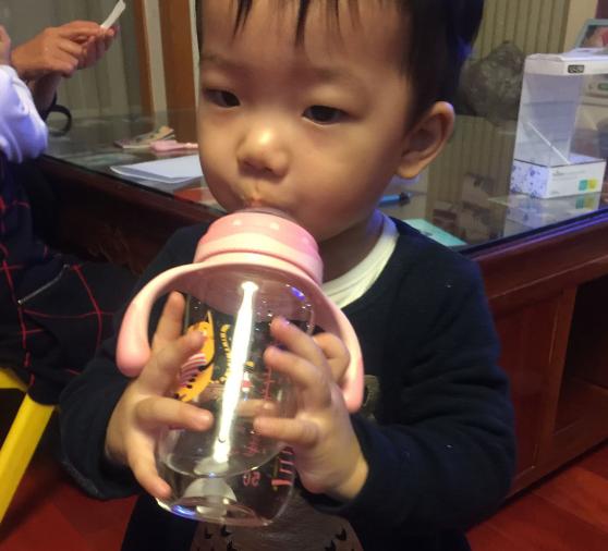 爱得利人之初奶瓶怎么样 爱得利人之初奶瓶是什么材质