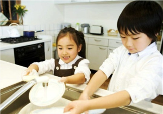 孩子不做家务怎么办 如何引导孩子做家务