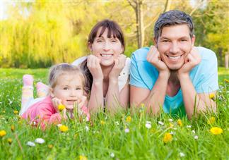 严父慈母的教育方式对孩子好吗 严父慈母的脸谱化教育对孩子有什么影响