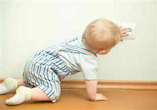 如何引导宝宝学会爬行 宝宝爬行需要具备什么条件