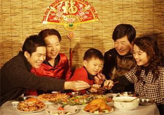 陪爸妈吃饭的说说 陪家人吃饭幸福的句子