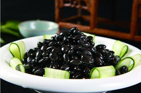 女性备孕吃黑豆还是黄豆好 黑豆和黄豆区别对比