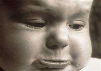 打孩子后怎么安抚孩子的情绪 忍不住打骂孩子后怎么做比较好