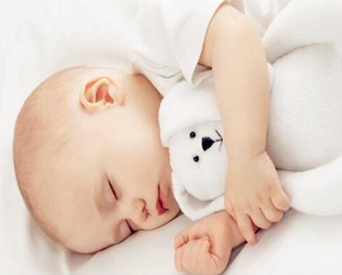 为什么宝宝睡觉经常说梦话 宝宝睡觉说梦话吃什么好