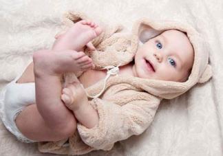 宝宝得湿疹的原因   湿疹对宝宝的危害介绍
