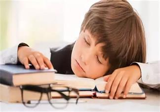 孩子没时间午休怎么办 怎么保证孩子的睡眠时长