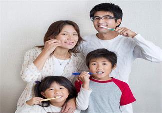 什么时候可以给孩子用牙膏 孩子用的牙膏怎么选比较好