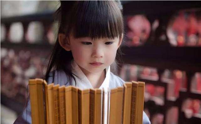 宝宝什么时候开始背唐诗比较好 如何教孩子正确背唐诗