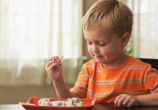 宝宝什么时候开始用筷子  宝宝用筷子吃饭的时间