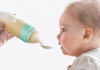 宝宝拒绝奶瓶怎么办  怎么让宝宝接受奶瓶