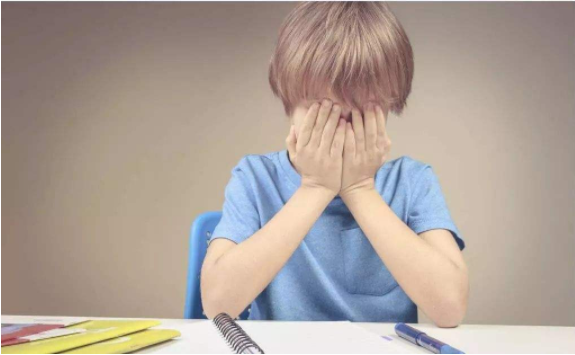 孩子写作业磨蹭怎么办 培养孩子写作业的仪式感