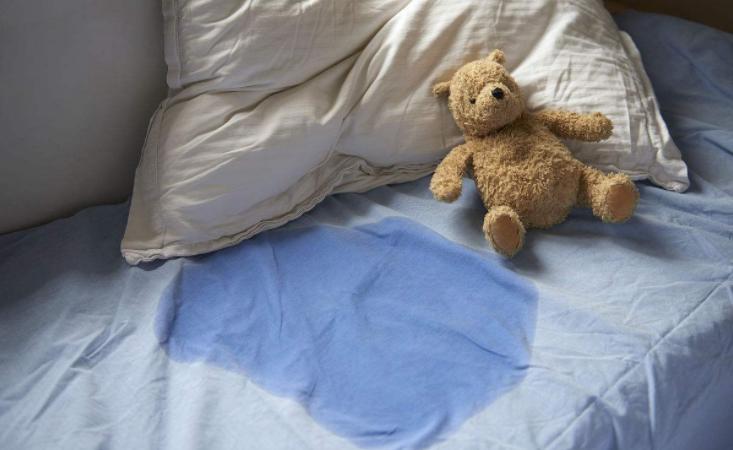 小儿遗尿怎么治疗 如何判断孩子得了遗尿症