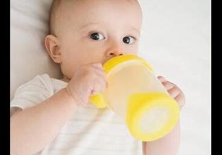母乳和奶粉的区别  奶粉全是化学成分吗