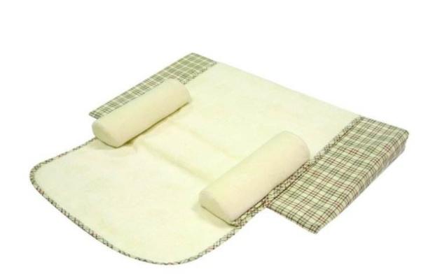 防吐奶枕头对宝宝好吗 防吐奶枕头怎么选择