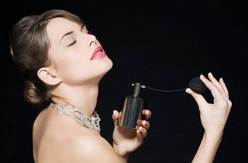 孕妇使用含过敏物HICC香水会怎么样 哪些香水含高致敏物HICC
