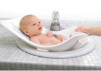 宝宝打疫苗后可以洗澡吗 宝宝打疫苗后发烧正常吗