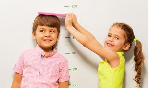 孩子晚上几点睡好 影响孩子身高的因素有哪些