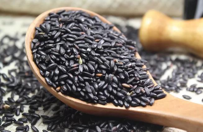 孕妇常吃黑米有哪些好处 孕妇吃黑米的好处