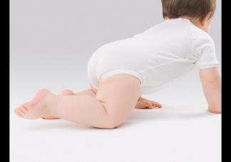 新生儿不爱睡觉是什么原因 新生儿不爱睡觉怎么办