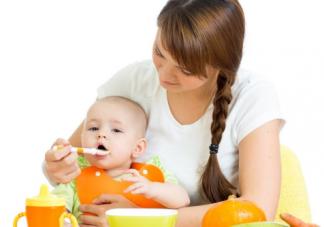 宝宝吃饭要追着喂怎么办 怎么让宝宝自主进食