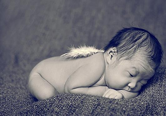 宝宝趴着睡的好处 宝宝趴着睡的好处介绍