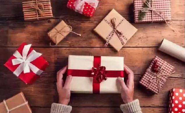 过年给小孩准备礼物好还是红包好 过年给孩子最好的新年礼物