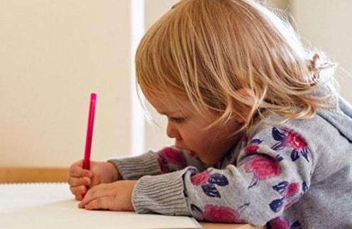 孩子几岁学写字好 孩子过早学写字的危害