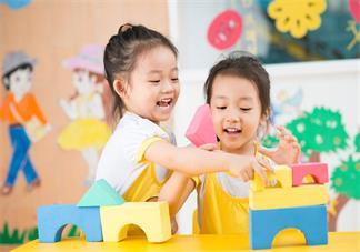 怎么了解孩子在幼儿园的真实状态 孩子在幼儿园过得好不好