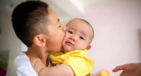 生三胎为什么要收社会抚养费 2019国家对生育政策的补贴