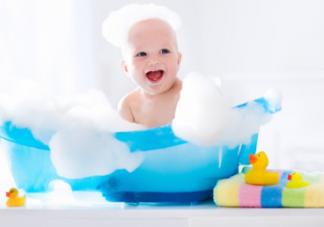 春季给新生儿洗澡要注意什么 春季如何给新生儿洗澡
