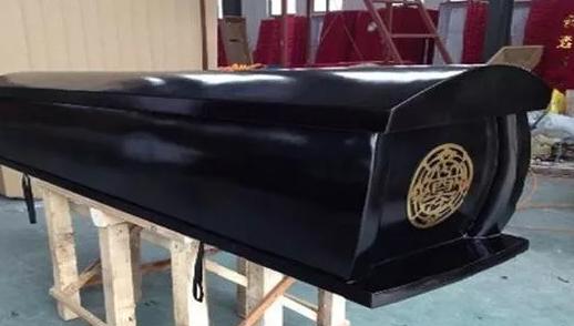 梦见自己抱着棺材生男生女 孕妇梦见自己抱着棺材是什么意思