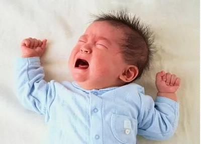 新生儿黄疸值多少才正常 新生儿黄疸的治疗措施