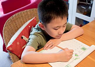 教孩子写作业心态崩了怎么办 怎么教孩子写作业