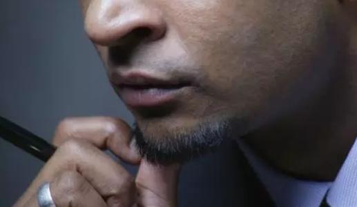 男人人中没有胡须生女儿真的吗 男人没有胡须生男生女怎么看
