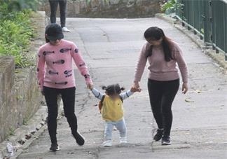 方媛挺巨肚散步是什么情况 方媛又怀孕了吗