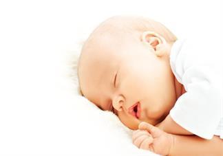 孩子六个月的时候可以用枕头吗 多大宝宝用枕头比较好