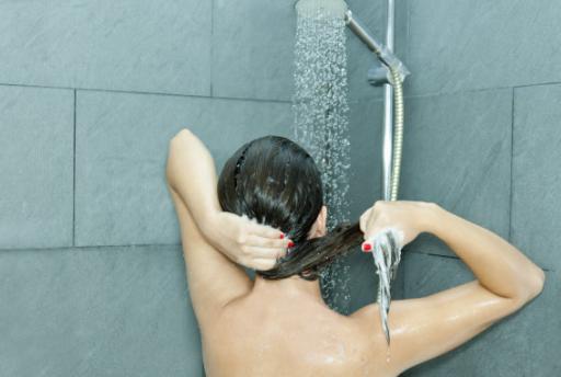 准妈妈如何正确的洗澡洗头  洗错了伤害宝宝还不安全