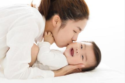 孕妇会提前分泌乳汁|孕妇会提前分娩的情况 孕妇提前分娩会有什么表现