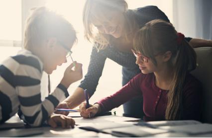 孩子右脑开发有用吗  如何能提升孩子的智力