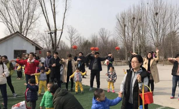 2019幼儿园植树节报道 幼儿园312植树活动报道