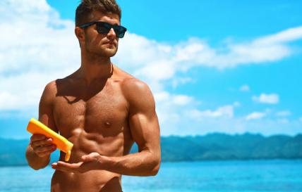 男性涂防晒霜会导致不育吗 男性涂护肤品会影响生育吗