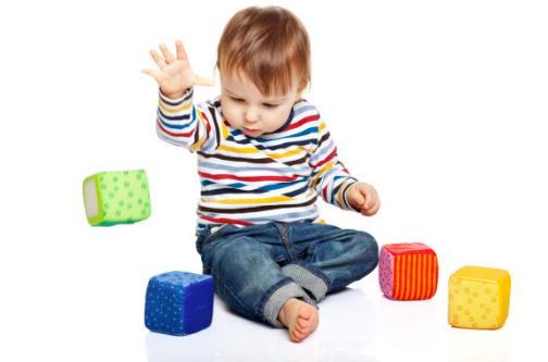 宝宝乱丢东西该怎么办 宝宝乱扔东西怎么处理